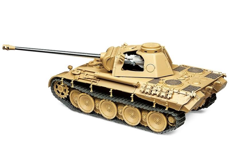 Tamiya German Tank Panther Ausf.D 1 35  25182